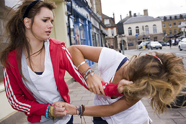 girl fight with girl
