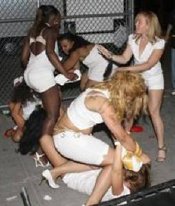 girl fight on street
